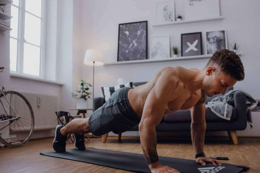 Des exercices pour faire du sport à la maison simplement